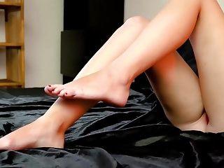 Redhead Hot Foot Aorship Linda incantevole