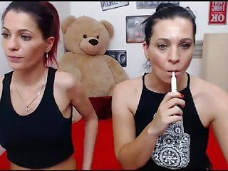 Hot sexy lesbo having nice sex on webcam