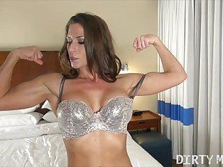 Fit Chick Porno Star zeigt ihren heißen Körper