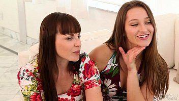 Dani Daniels e Dana DeArmond mangiano un po di crack bagnato